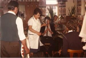 Vereinslokal Fillweber - Musikverein Neukenroth bei der Probe in der Wirtschaft  80er Jahre